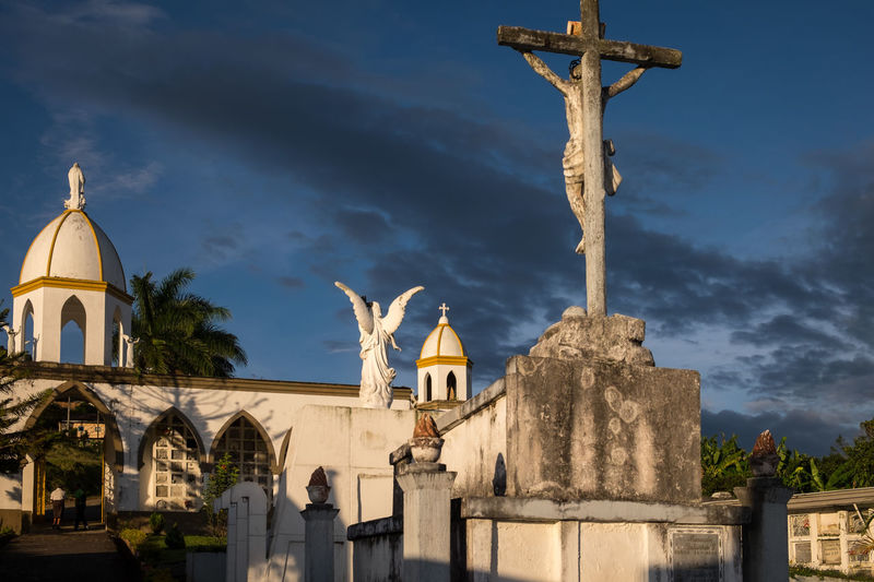 Cemetery in Jericó, Colombia. Cemetery Colombia Cemeteryscape Colombia ♥  Cross Jerico Jerico Colombia Place Of Worship Religion Spirituality Statue