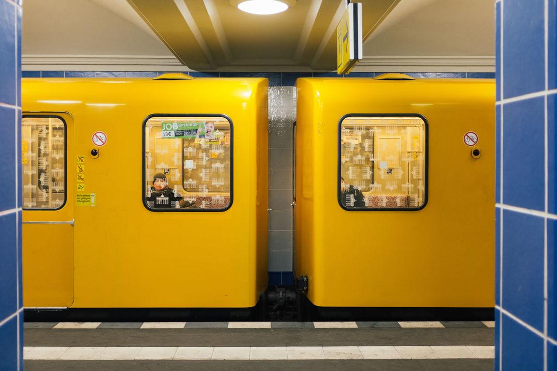 Berlin Boddinstraße BVG - Berliner Verkehrsgesellschaft U-Bahn Yellow
