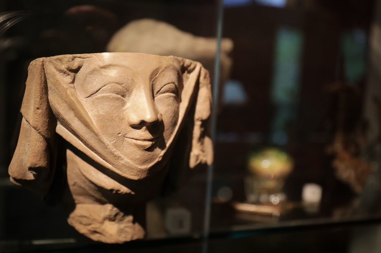 Medievel......and happy about it Single Object No People Close-up Sculpture Day Indoors  Canon5D Low Angle View 24-70mm London Canonphotography Canon Full Frame Canon_uk Canon 5d Mark Iv 5d4 5dmkiv Museumoflondon Museum Of London Bokeh Stone Medieval Medieval Art Historic Statue
