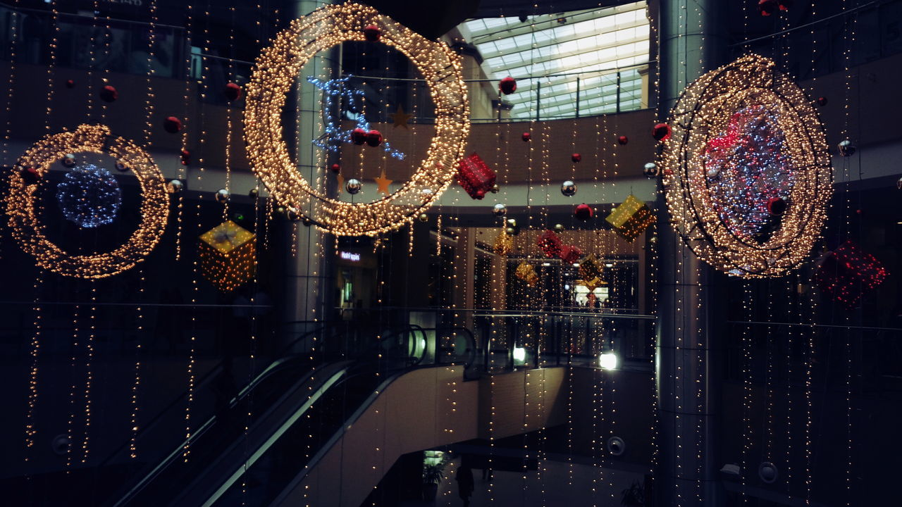 Christmas Christmas Decoration Christmas Preparations Christmas Ornament Illuminated Indoors  Decoration Inorbit Mall Bangalore Phone Photography