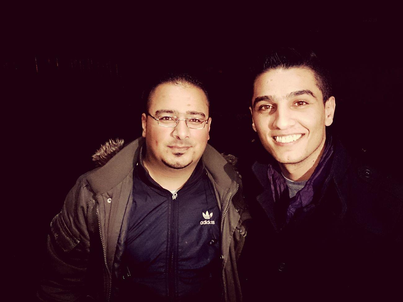 انا و محمد عساف امام منزلة