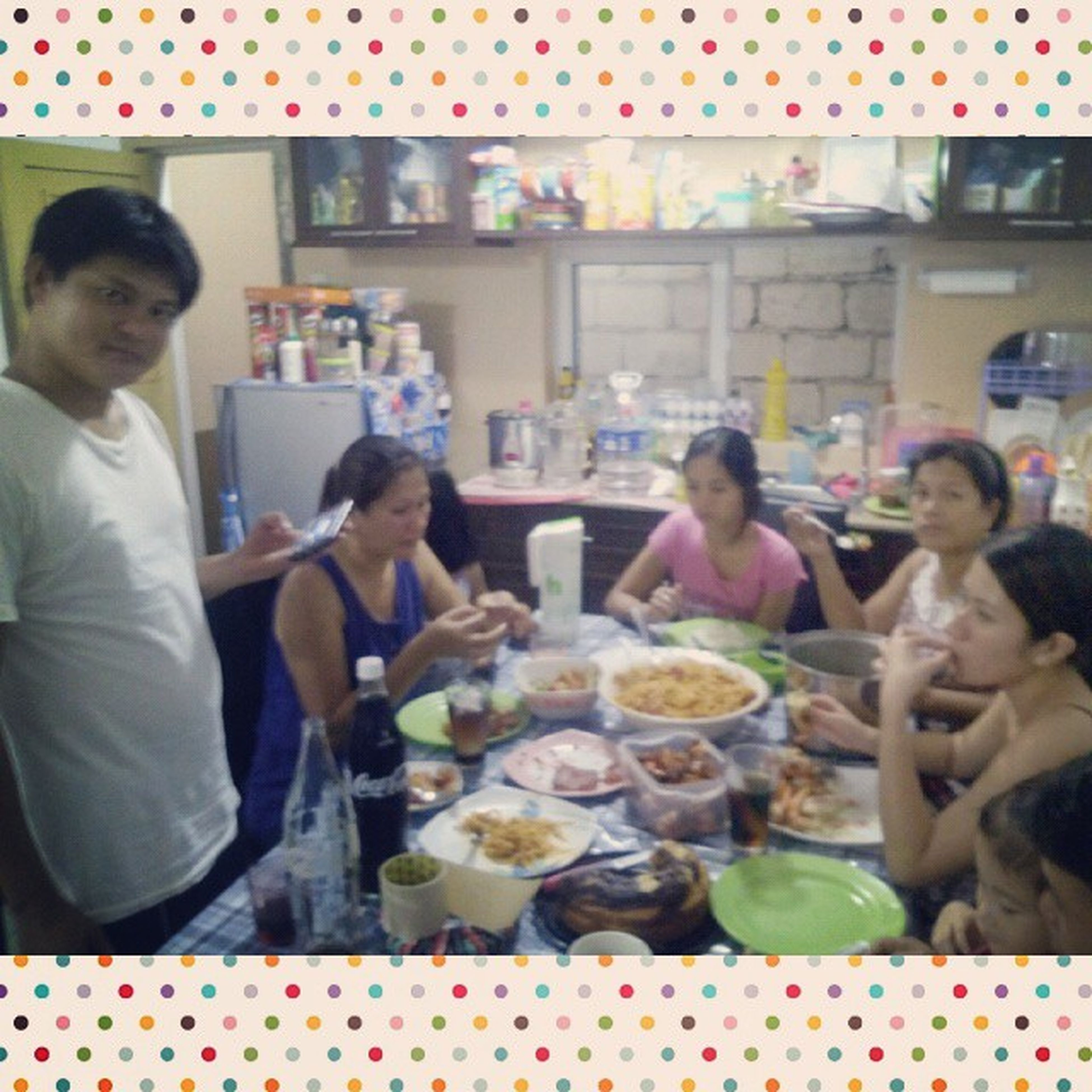 its nice to have them kay gubot kaayu ang house 😀👪🏡 Family Memoriesforkeeps Ourkindofdinner Loveit Siksikan Overload Happy