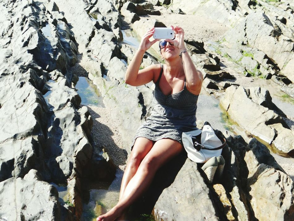 That's Me Taking Photos Relaxing Cheese! Hi! Enjoying Life Sunny Sunday My Passion ❤ Enjoy The New Normal Mobile Conversations Women Around The World