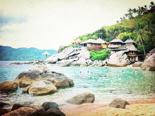 Relaxing at Koh Tao by Ksay Thanakom