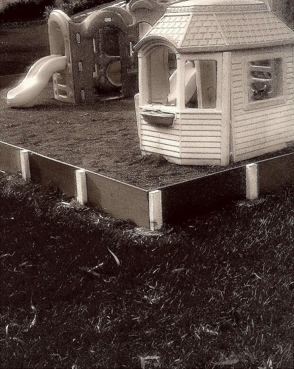 Juego Blanco Y Negro Black&white Playground House Casitas