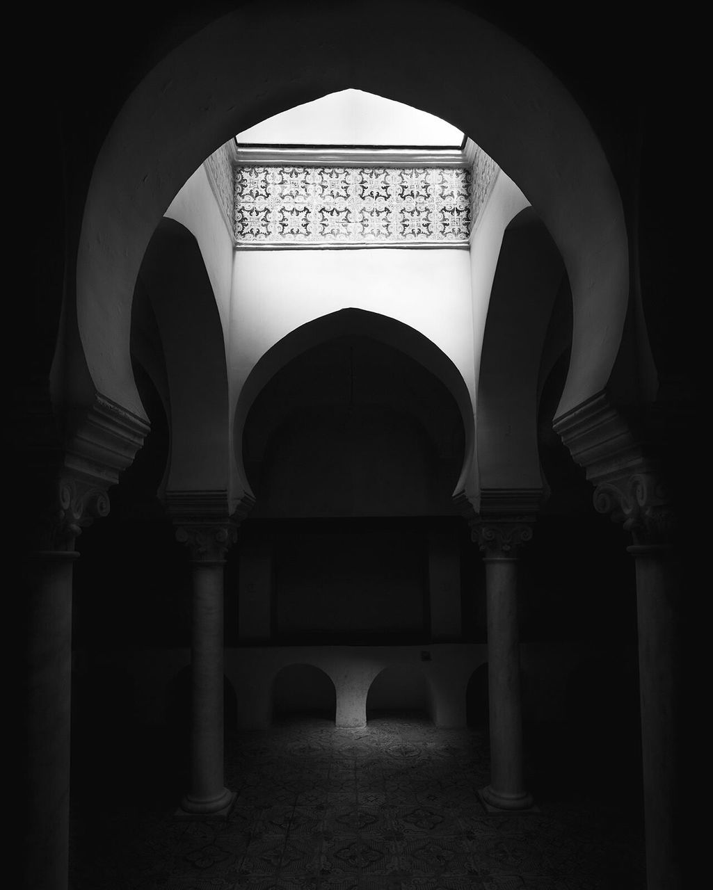arch, architecture, built structure, architectural column, no people, history, indoors, illuminated, day