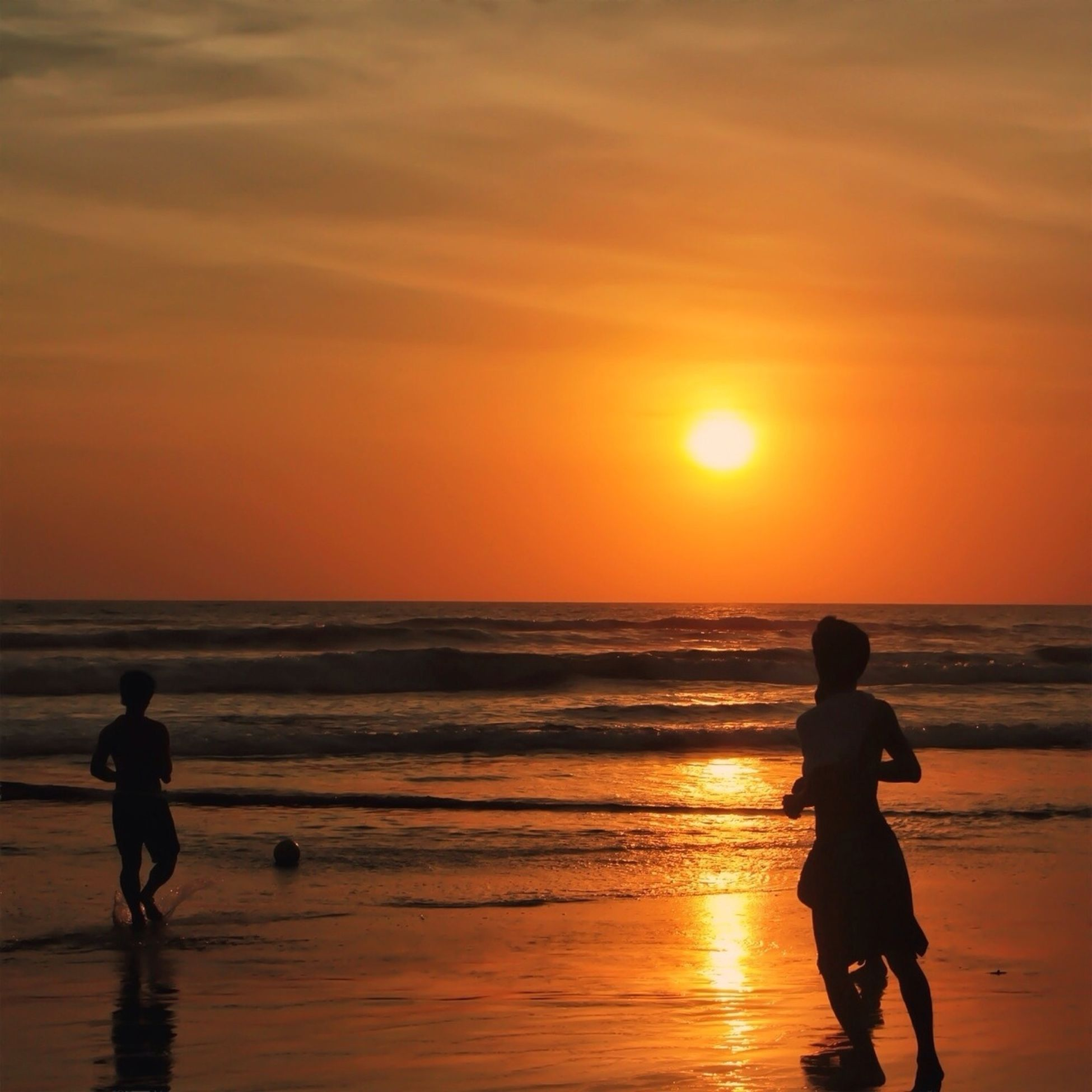 horizon over water, sea, beach, sunset, shore, water, outdoors, wave, sun, silhouette, vacations, ocean, seascape, scenics, sand, light, getting away from it all, escapism, weekend activities, enjoyment, vacations