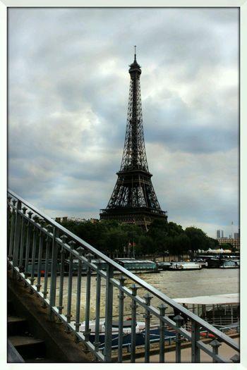 Paris Interrail Eiffel Tower
