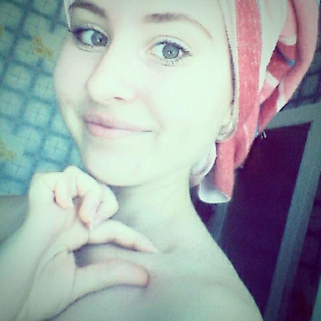 Enjoying Life Clavicle Sitting On The Water Princess ♥ EyeEm Good Summer Popular Photos Hello World