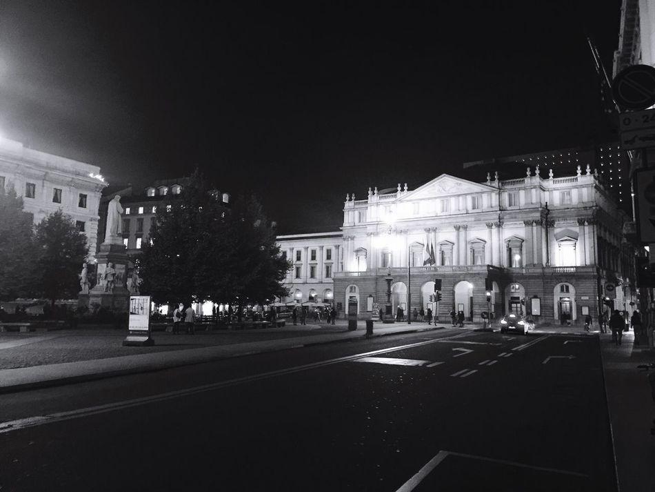 City Night Illuminated Scalamilano Notte Biancoenero Blackandwhite