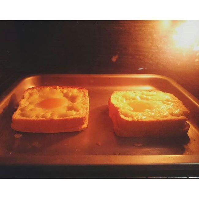 給一個墳蛋做宵夜...咳咳咳咳到肺都粗來了😊😊😊 Nightsnack Toast Cheese Kitchen Cook  Cooking