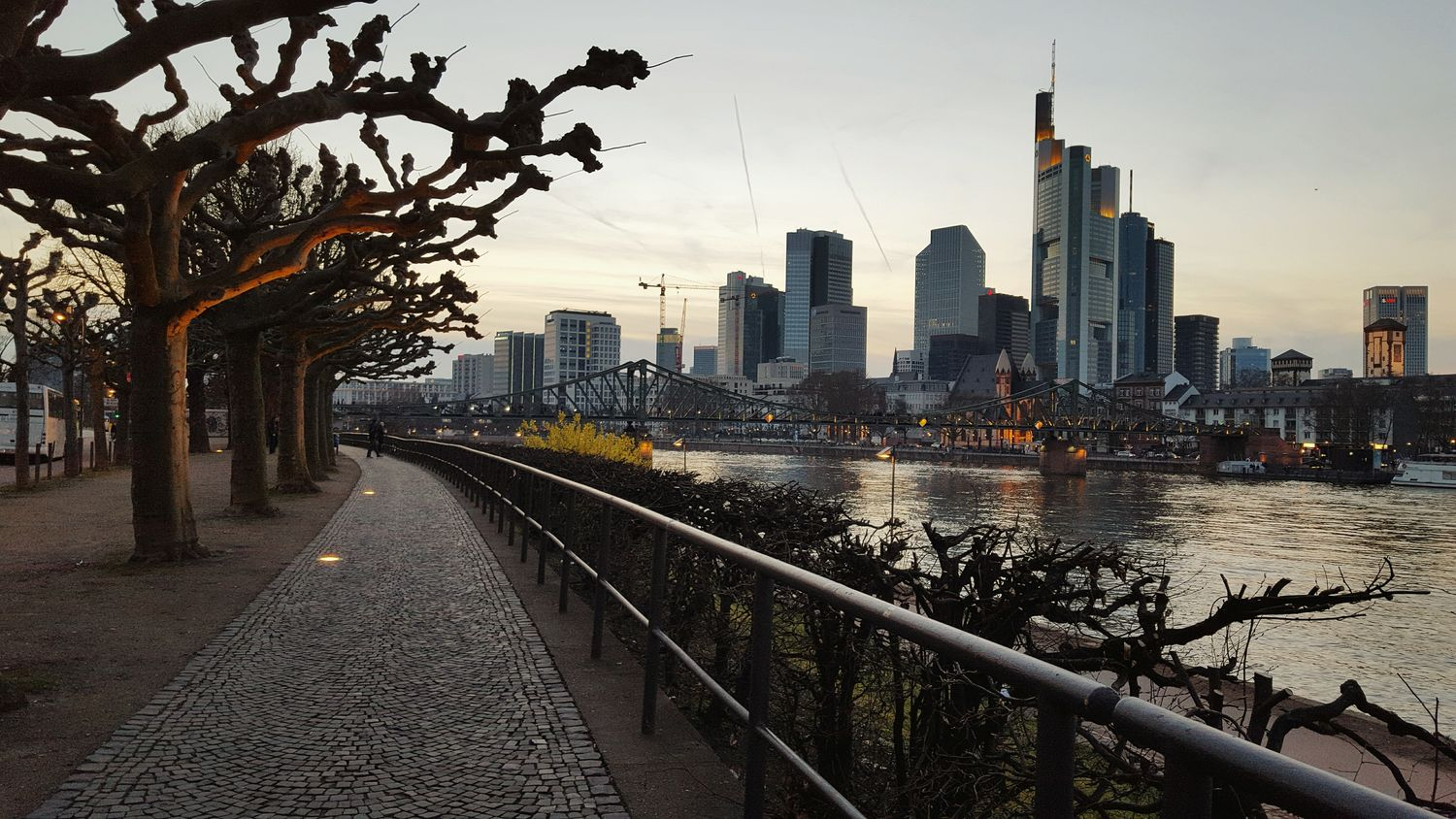 Frankfurt Am Main Sityscapes Sity View Sityscape Evening Time Evening Light