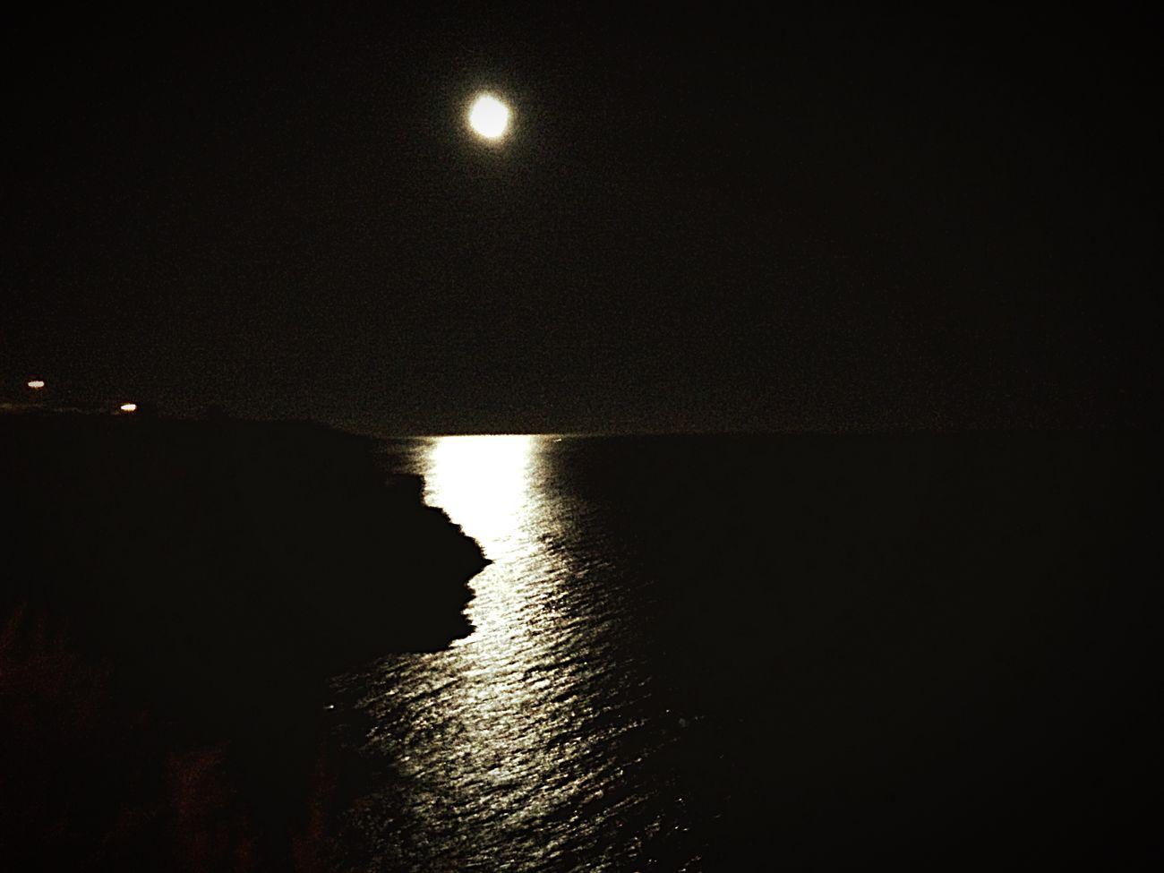 Noitedeluar Humility Portugal Algarve Carvoeiro Amor ♥ Noiteboa Beauty In Nature Vacations No People SEJA HUMILDE Bob Marley Seja humilde, pois, até o sol com toda sua grandeza se põe e deixa a lua brilhar... First Eyeem Photo