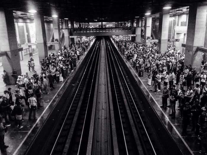 People Together A Lot Of People Letsgo Subway Station Subway Life Waiting In Line Waiting CCS Venezuela
