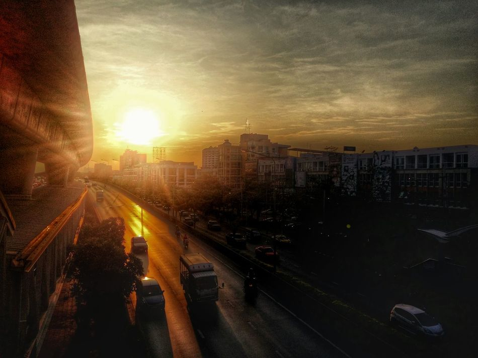 Spotted In Thailand BTS Wongwianyai Bangkok Evening Evening Sky Sunset
