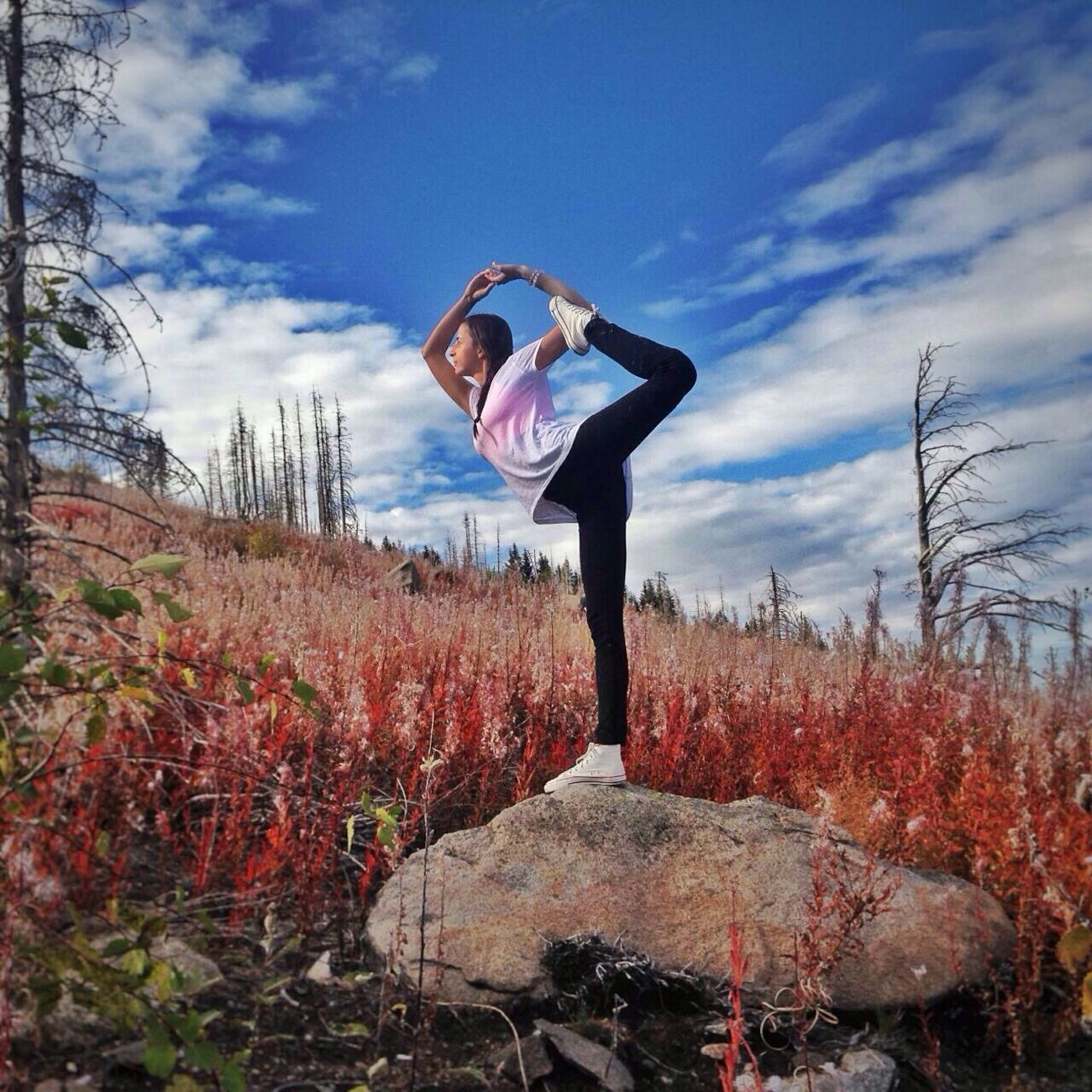 Yogapractice Yogalife Yogatime Yogainspiration Yogateacher Yogalove Yogagirl Yoga #Nature  Skyyoga
