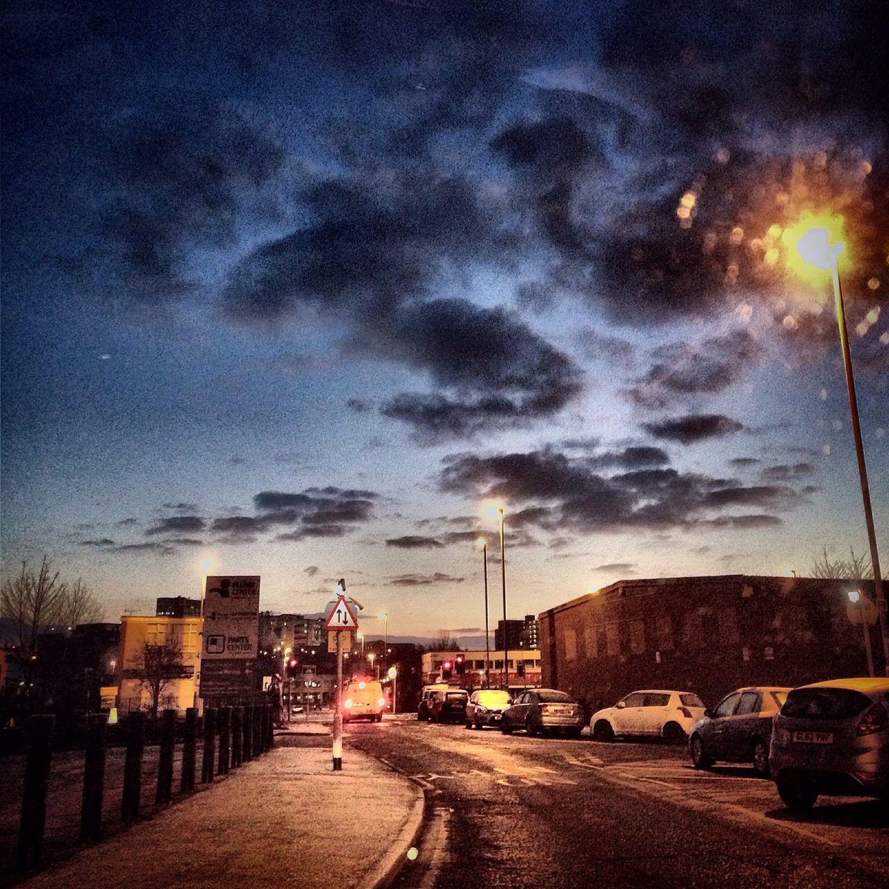 Fresh winter morning in Leeds Leeds Wintermorning Winter Morning Crisp Winter Crisp Air Dark Sky Picoftheday