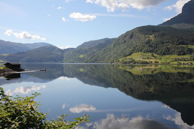 Water Outdoors Exploring Nature Mountain Landscape Relaxing Balance Idyllic Beauty In Nature Norway Spiegelungen Mirrorshot Mirror Mirror Reflection Water Reflections Landacapes With Whitewall Feel The Journey