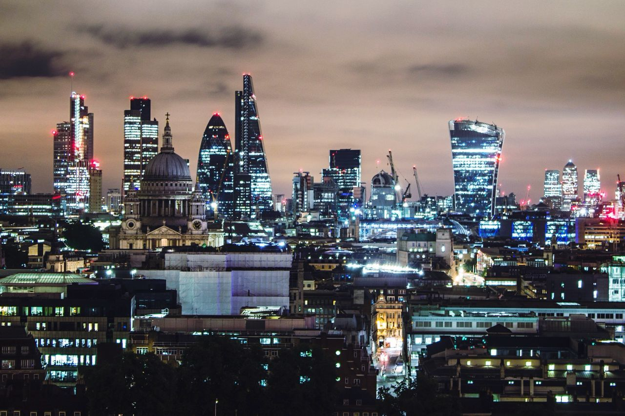 A refreshing view of London last week with the squad! ✌ OpenEdit Open Edit Urban Lifestyle Taking Photos Urbex Architecture Cool Check This Out London City Pmg_lon