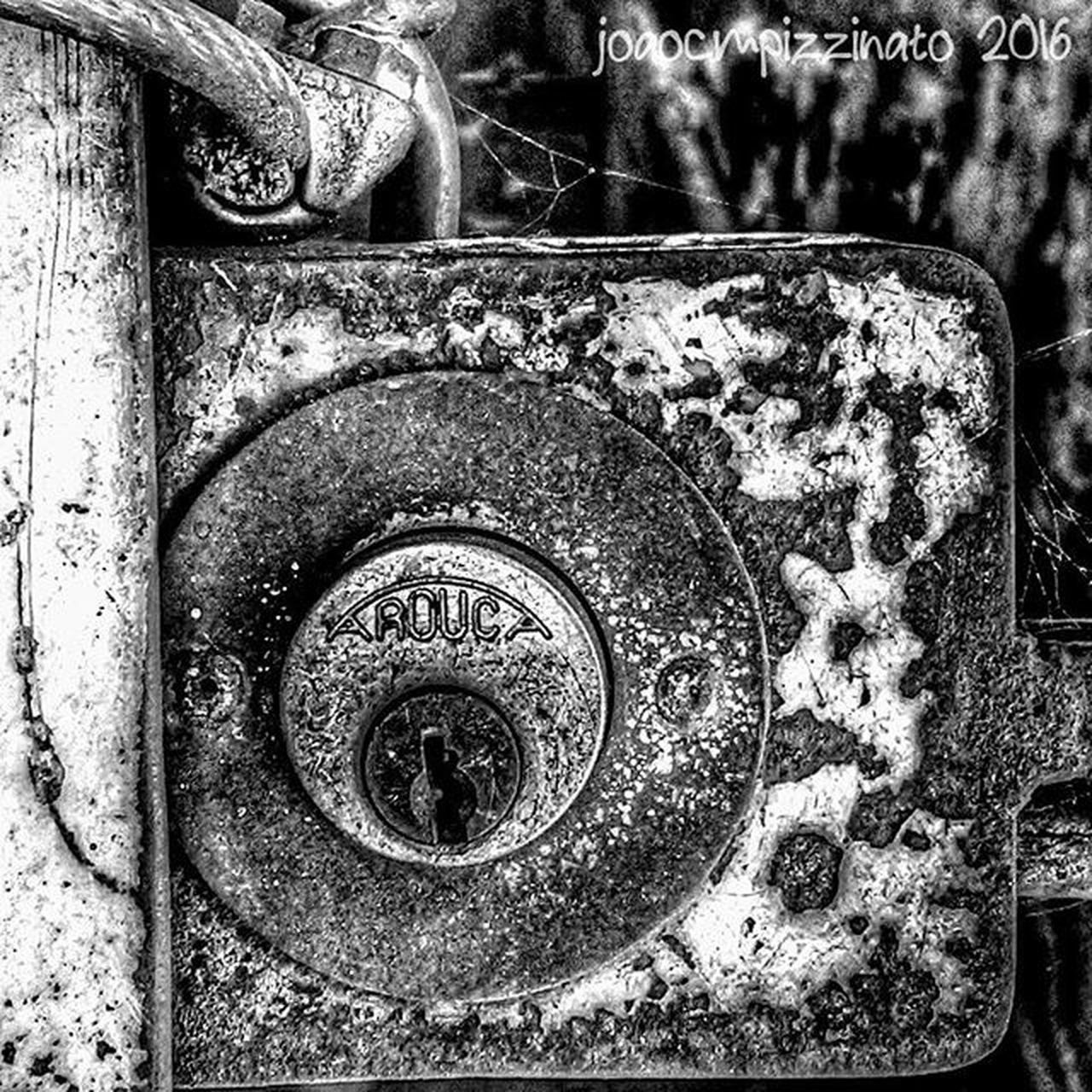Rustlord_bnw Rustlord Rustlord_texturaunique Flaming_rust Foto_blackwhite Ig_contrast_bnw Amateurs_bnw Bnwmood Bnw_kings Bnw_planet Bnw_captures Top_bnw Bnw_lombardia Instapicten Top_bnw_photo Bnw_life_shots Urbexbrasil Urbexsp Streetphoto_brasil