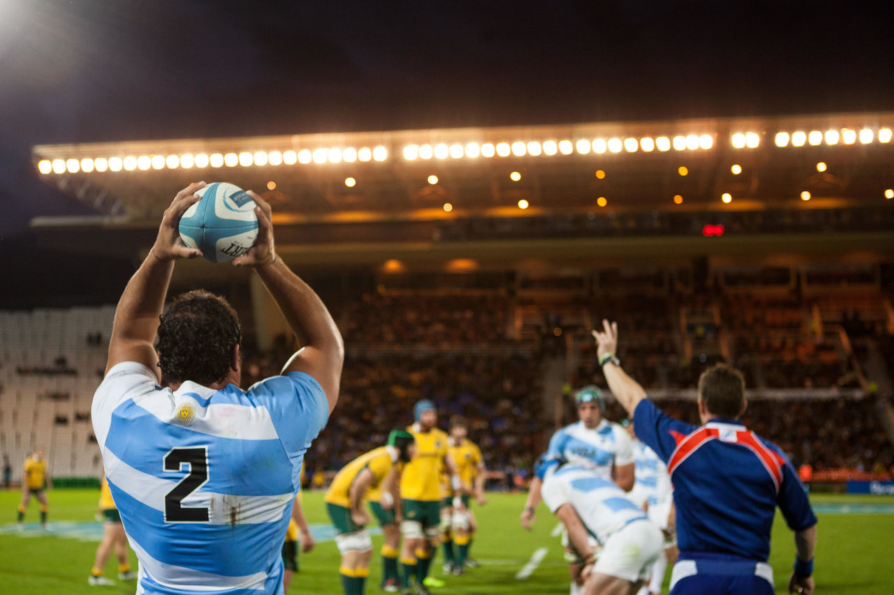 Argentina Australia Deporte Focus On Foreground Game Illuminated Line Out Los Pumas Player Pumas  Rear View Rugby Rugby Player Rugby TIME Rugby Union Sport Sport Time Sports Sports Photography Sportsphotography Togetherness