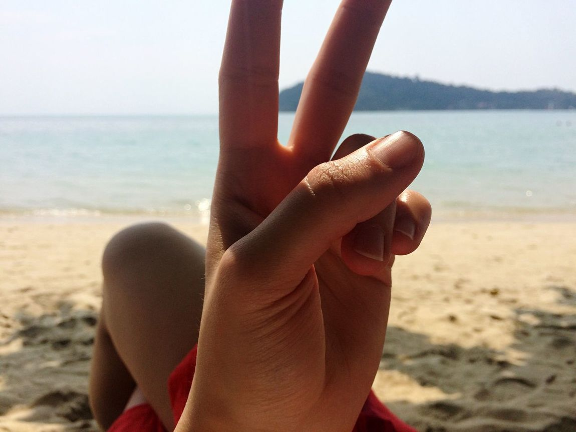Adventure Buddies Beach Sea Traveling Peace Close-up Closeup Hand Q Von Audi Spotted In Thailand Koh Chang The KIOMI Collection The Secret Spaces
