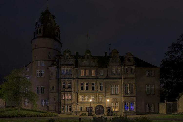 Residenzschloß Detmold bei Nacht Architecture Built Structure Detmold Detmold Castel Illuminated Long Exposure Longexposure Night Nightphotography Outdoors
