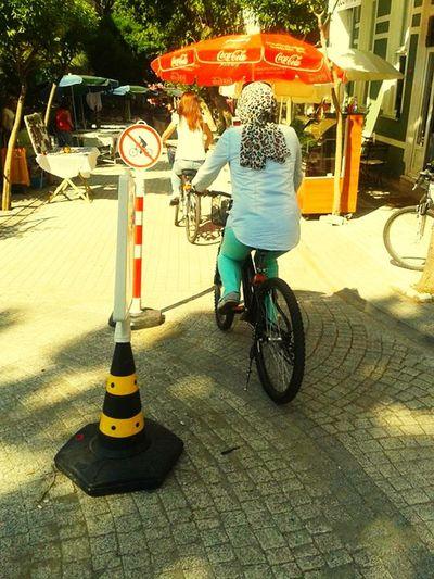 Yaz gelsin ! Yazdankalmabirgun Girls Bisikletturu Buyukada #bigisland #summer Summer ☀ Kuzenlerle Gezmeler Yazıözledim Bicycle Trip Istanbullovers