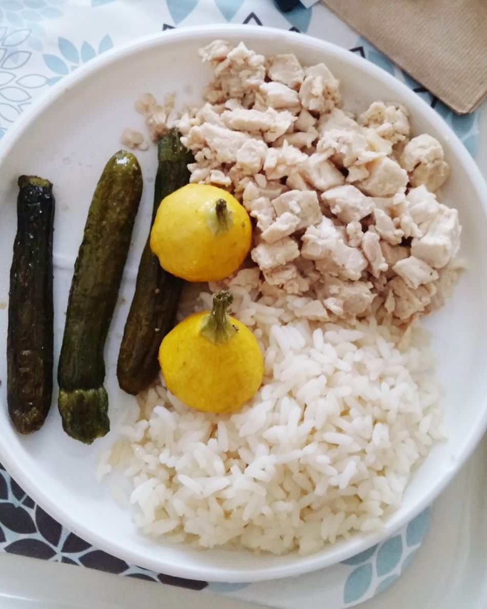 Food Hospital Food Bland Chicken Zuccini Rice Taking Photos No People Eye4photography  Pale Color Lemon Halves