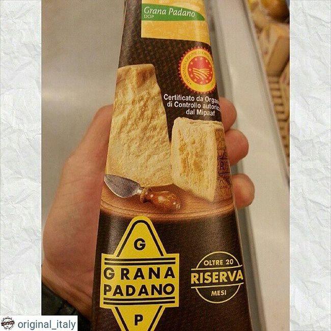☆☆☆☆☆ @original_italy ☆☆☆☆☆ Популярный, твердый сыр, так же как Пармезан, относится к традиционным сырами Италии. По структуре похож на Пармезан. Зернистый, с твердой коркой солоноватый и пикантный вкус. Хорошая выдержка 20 месяцев. Небольшой кусочек 450-500 грамм, цена 14€ 350 гр - 10€ Доставка до 2 кг 21 € Для заказа WhatsApp, Viber + 79817855075 Италия шоппинг оригинал Original_italу кофевиноitalyкупитьмосквапитерсырсырыитальянскиесырысырнаятарелкапиццапастаПрошуттосалямиОливковоемаслоЛимончелло