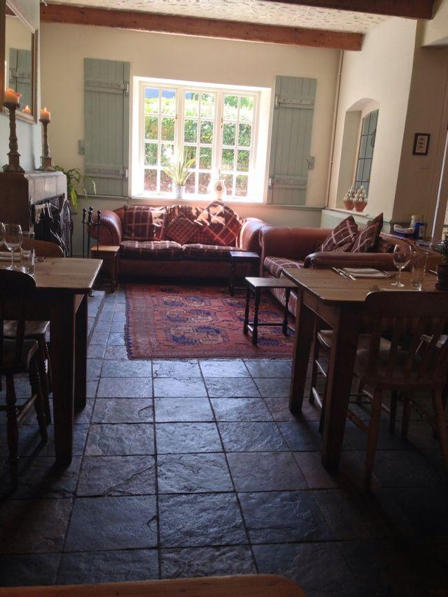 Enjoying lunch at the Raglan Arms