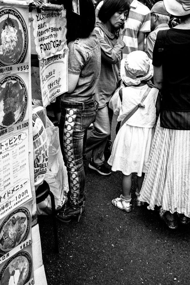 Blackandwhite NEM Black&white Black And White Monochrome Streetphoto_bw Bw_collection Eye4black&white  EyeEm Bnw Everybodystreet People Streetphotography Street Photography Street Photo Eye4photography  AMPt - Street EyeEm Best Shots Leicacamera Urban Lifestyle Street Life Capture The Moment Light And Shadow Tokyo Street Photography