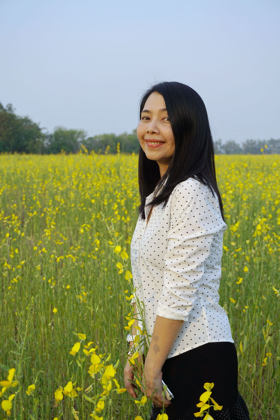 Beautiful Woman Beauty In Nature Happiness Lifestyles Looking At Camera Nature Portrait Rural Scene Smiling