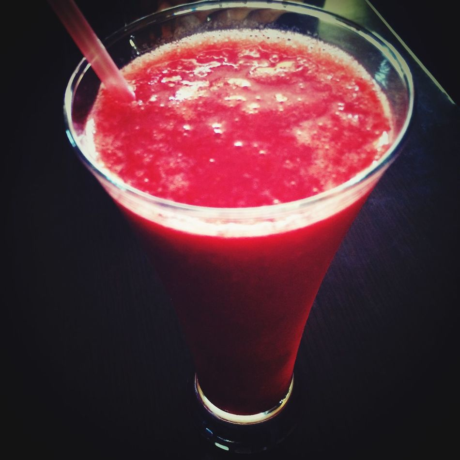 Drinking Strawberry Juice 🍓🍓🍓 Juice 🍷 Strawberry Strawberries Drink Drinking Glass Drinks Drinks! Yum Yummy Yummy! YumYum Yummy Food Red Fruitporn Fruit Fruits Fruit Photography Fruits ♡ Fruity Yummyinmytummy Yummy :) Yummy♡ Yummi