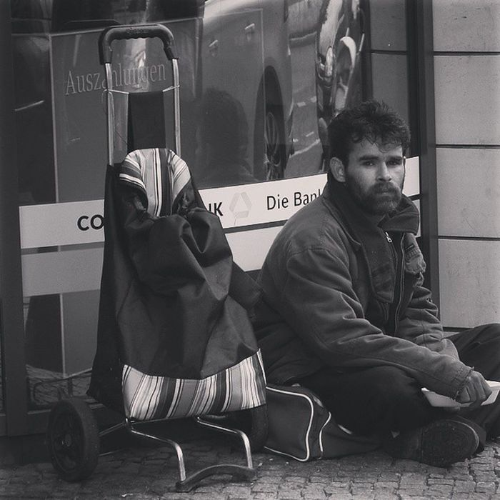 Turmstrasse Berlin Straßenleben Obdachlos Roma Streetlife Homeless Bettler SinTi Beggars