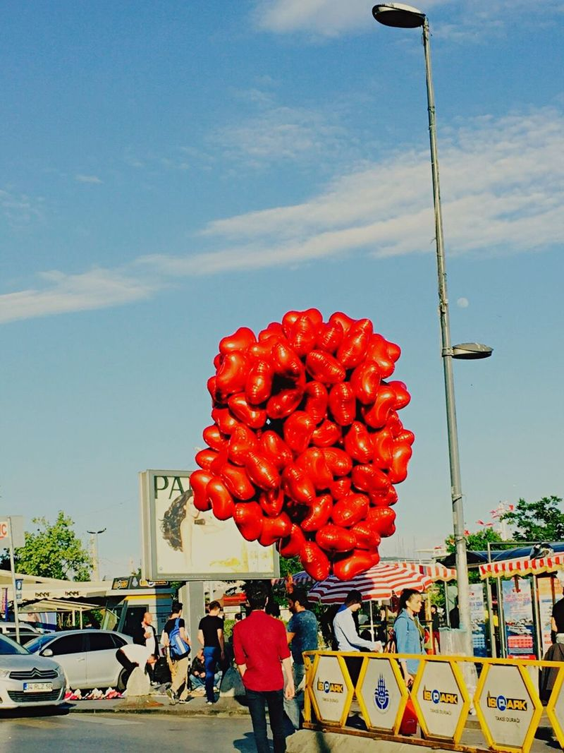 Red Baloons Earlyevening Gored Sky Blue Sky Blue City Istanbul