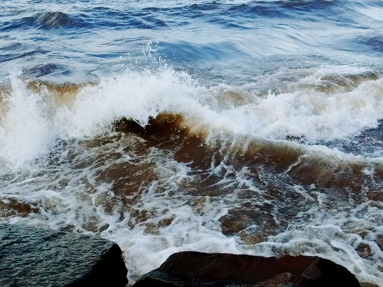 Lake Superior Lake Water Waves Fierce Splash Rocks Michigan Nature Beautiful