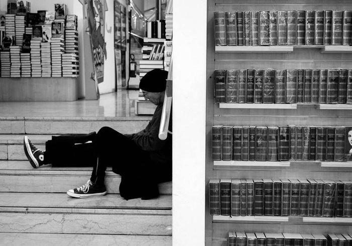 Books Men Street Photography Taking Photos