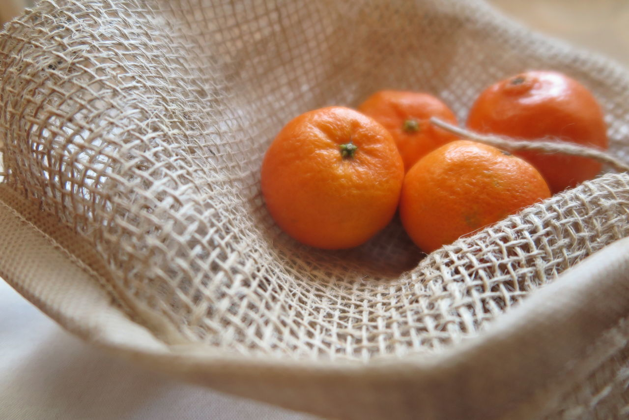 Christmastime 2015 Close-up Details Directly Above Eat Fresh Eat More Fruit Eye4photography  EyeEm Gallery Pastel Power Food Foodporn Fruit Full Frame Healthy Healthy Food Healthy Lifestyle In My Kitchen Juicy Jute Mediterran Onthetable Orange Sweet Tangerine