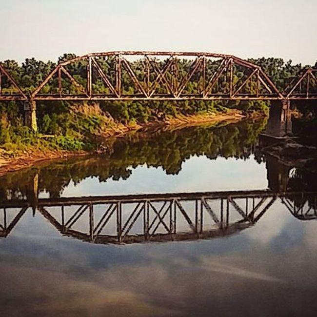 Old Railroad Track Photography Amateur WeAreJuxt Wearegyrro Creativity Art Ancient Old Beauty Reflection Suburbanwonders