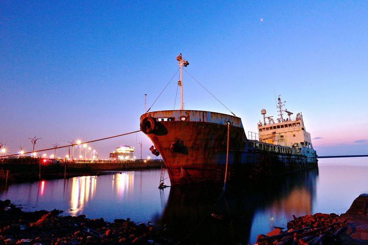竹圍漁港 Sunset Taiwan Landscape_Collection Sunset #sun #clouds #skylovers #sky #nature #beautifulinnature #naturalbeauty #photography #landscape Night Nightphotography Sky And Sea Nightshot Nightscape