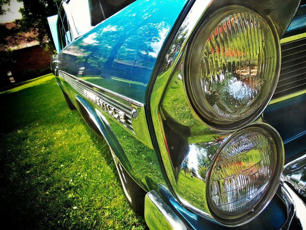Beautiful Cars Old American Cars Car Details Chrome Reflections Of The Garden On The Car Paint Pastel Colors standing in the Castle Gardens Headlights Strange PerspectiveRoaring Sixties PONTIAC Bonneville 1963 Oldtimer CarShow Langenselbold Germany🇩🇪 Mein Automoment Showcase June Dramatic Angles
