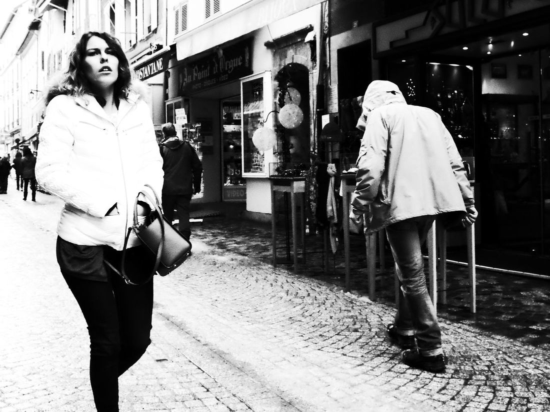 Noir Et Blanc Architecture Blackandwhite Building Exterior Built Structure Day Full Length Lifestyles Outdoors Real People Street Photography Streetphotography Two People Walking Women Young Women