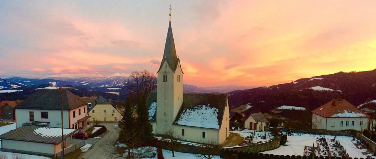 Awesome sunset ;) Check This Out Enjoying Life Taking Photos Sunset Sunset_collection Sunsetporn Temple Mountains Panorama Panoramic Panoramic Photography View Relaxing Wonderful Austria Prebl Colors Winter Colorful Travel Photography Traveling Light