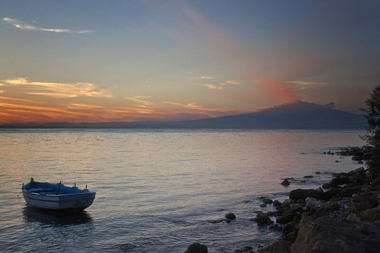 Sunset Beauty In Nature sea VisionsEyeEm Nature Lover Poetry Love Colors Landscape Scenics Naturelovers Natural Beauty Photography Beauty In Nature Beauty