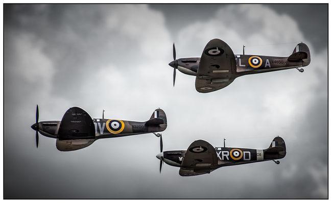 Patrol! Camouflage Clouds And Sky Elliptical Eye4photography  EyeEm Best Edits EyeEm Best Shots Fighter Flying Mid-air Plane Raf Roundel Spitfire Three Ww2
