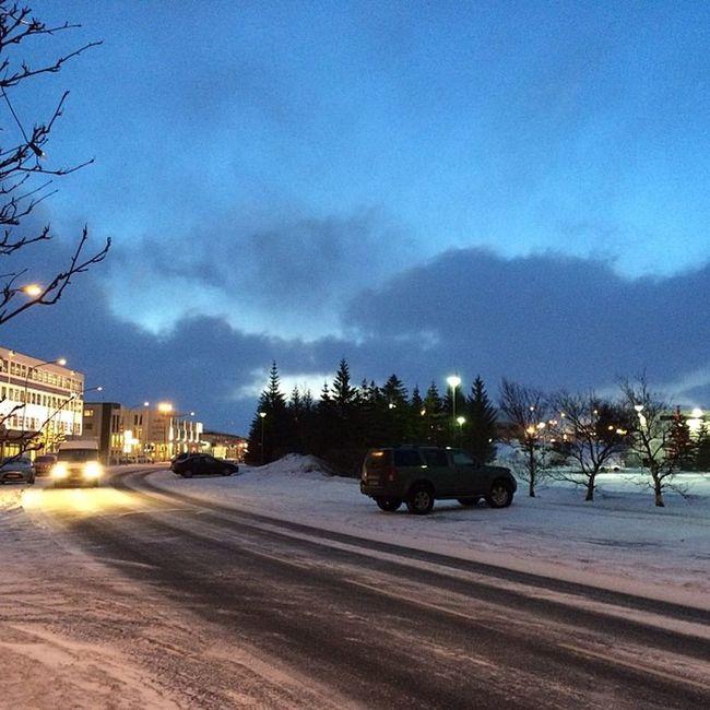 Oh, es wird langsam hell. #iceland Iceland