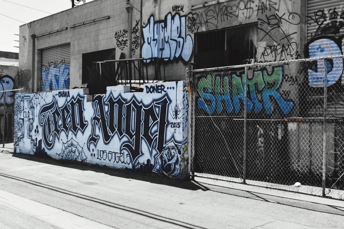 Random Street Art Graffiti Walking Around Check This Out From My Point Of View Los Angeles, California Graffiti Art Los Angeles - Street Graffiti & Streetart Taking Photos Color vs Balck And White