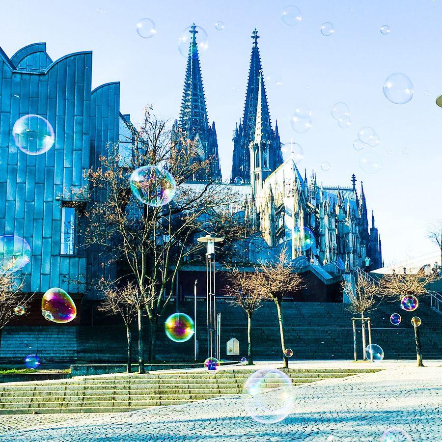 Cologne , Köln,  January Winter Dom Colonia Ccaa Kölner Dom Architecture Seifenblasen Schillernd