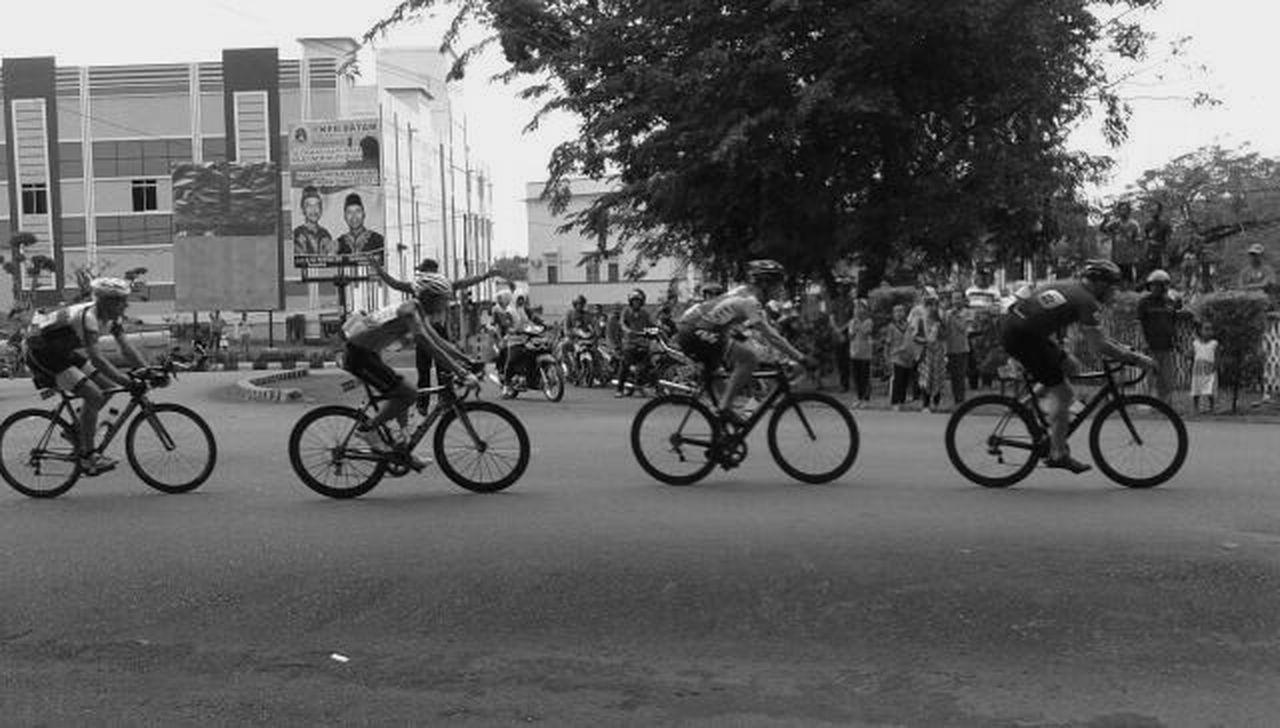 Cycling Folk Entertainment Go Around The City Sport Cycling Tour De Bintan Won